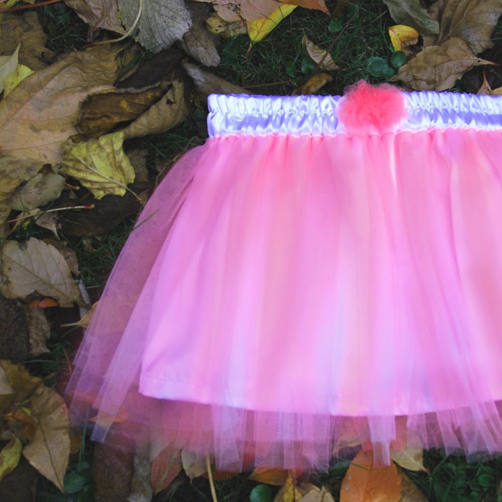8c273398c0a Dětská růžová tylová sukně s bílou podšívkou