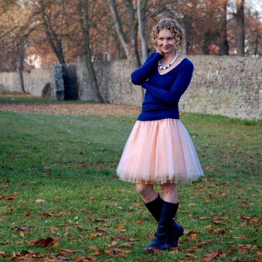 c6066087012 Pleťová tylová sukně