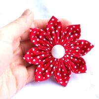 ef594165f4f Červená puntíkovaná kytka (brož)