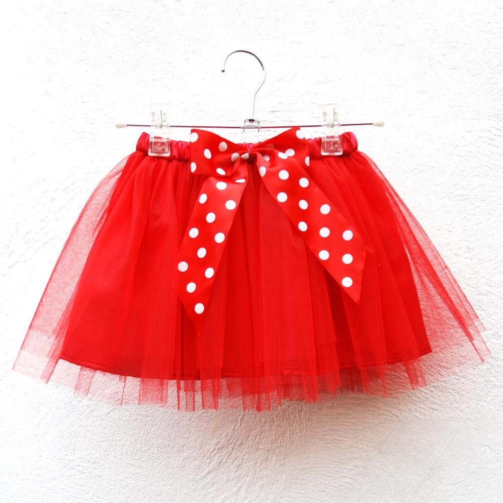 6168efb6994 Dětská červená tylová sukně s puntíkovanou mašlí