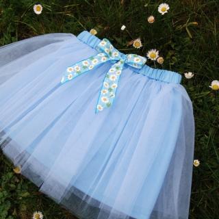263381294ba Dětská světle modrá tylová sukně s kopretinami empty